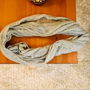 New 100% cashmere infinity loop scarf